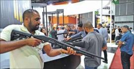 Cresce procura por armas no Brasil, diz dirigente do setor