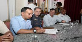 Prefeitura de Santos sanciona lei que libera o uso de arma de fogo para Guarda Civil