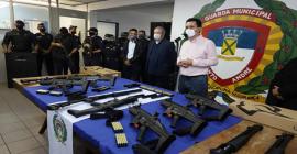 Guardas Civis Municipais recebem armamento Taurus e CBC