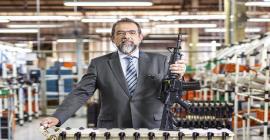Brasil está se tornando um balcão de negócios de armas, diz CEO da Taurus