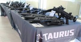 Em crise financeira, Exército recebe armamento novo veja detalhes