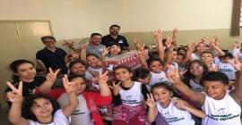 Clube de Tiro de Dracena faz doação de leite para duas entidades